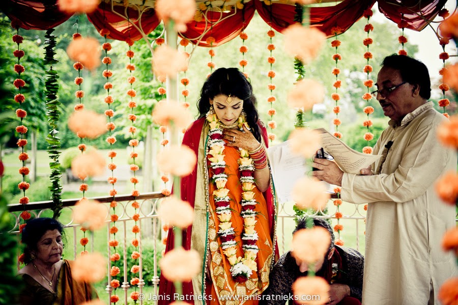 Hindu wedding photographer UK
