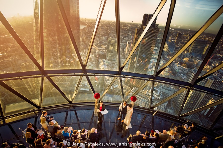 Wedding in Gherkin view from the bar