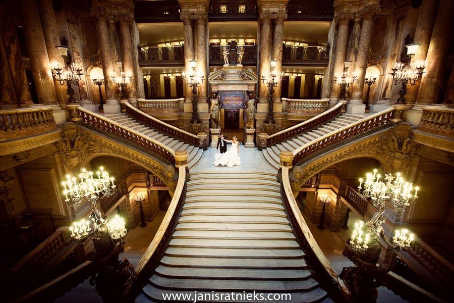 Top wedding photographer in Paris