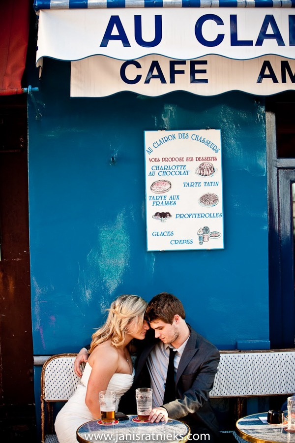 Montmartre cafe wedding photograph