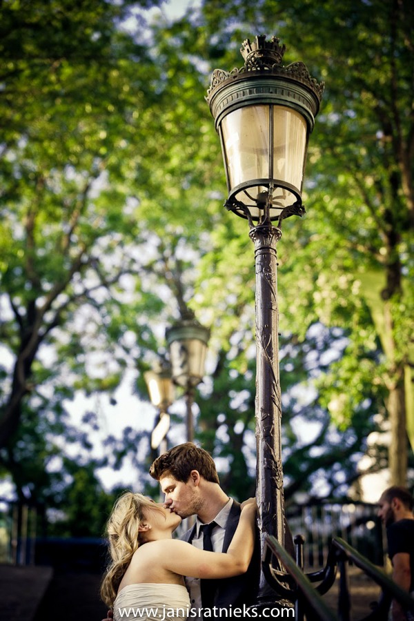 A couple kissing in Paris in Montmartre