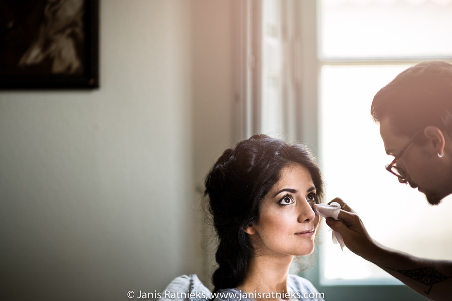 bride getting ready for the wedding