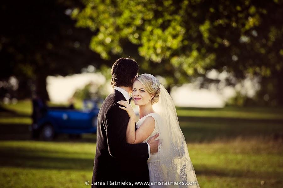 outdoor wedding photo shoot Milton