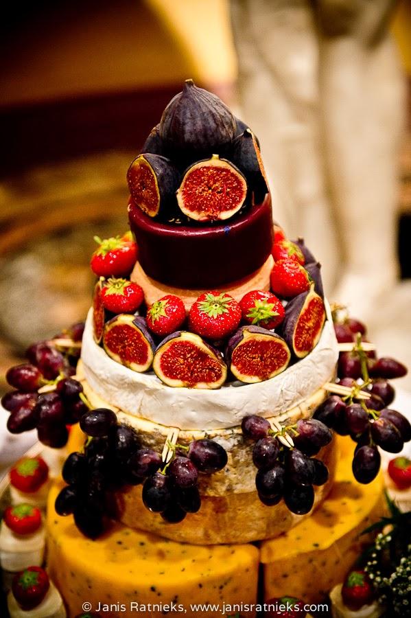 passion fruit wedding cake London