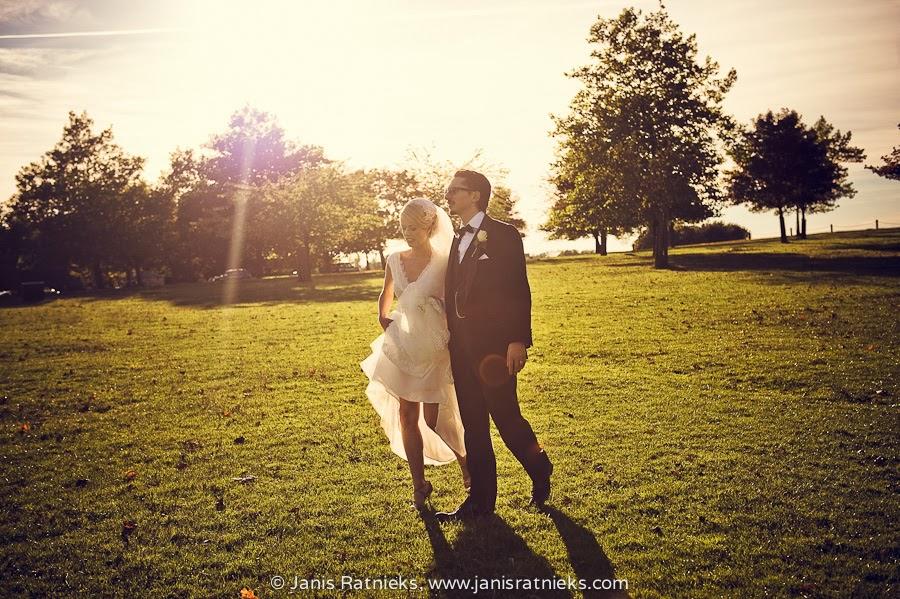strong backlight wedding photos suumer