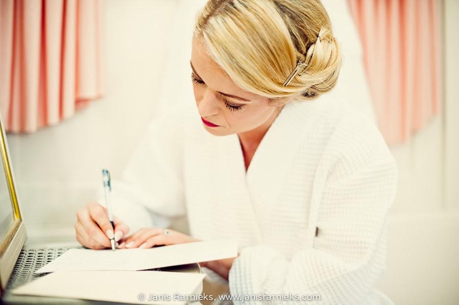 writing love letter