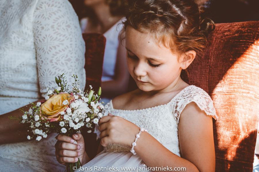 flower girl wedding photographer London