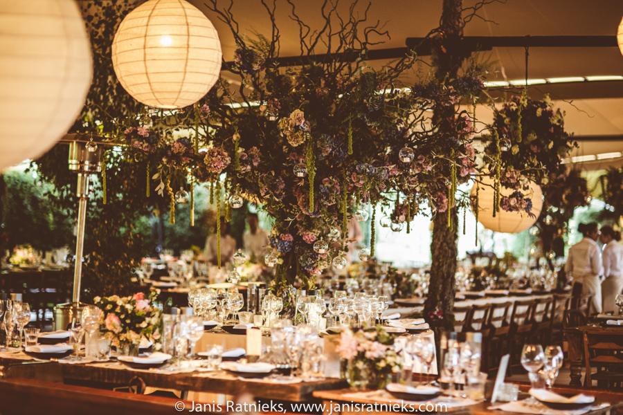huge wedding dinner