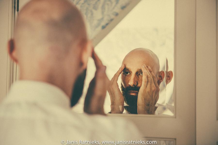mirror look