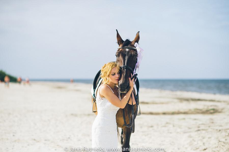 bride beach horse