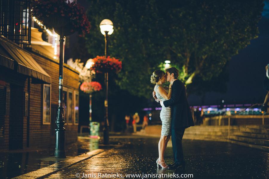 night wedding London photogrtaphers