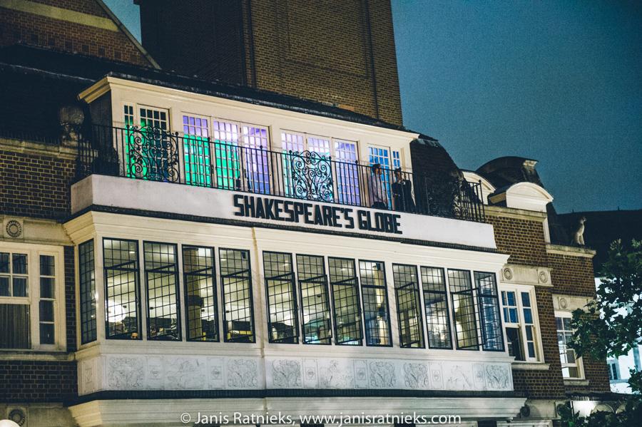 shakespeare globe wedding photographer London