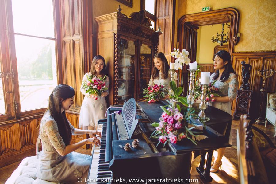 chinese wedding girls